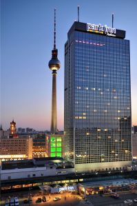 Park_Inn_by_Radisson_Alexanderplatz-Berlin-Aussenansicht-2-14413